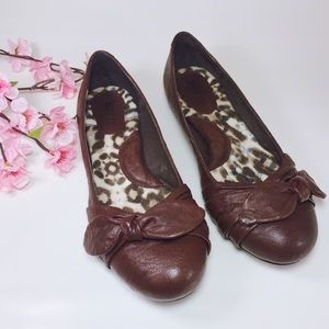 Born Molly Brown Leather Ballet Flats w/ Bows Sz 8